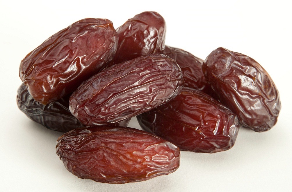 Egyptian Desert is full of healthy Treasures , Try our Dates Treasure
